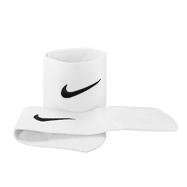 Nike Stay II guard sleeve