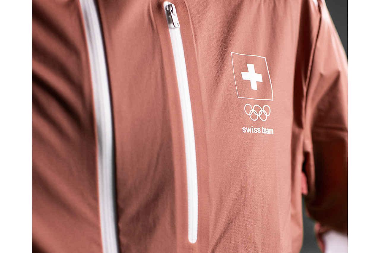 ochsner-sport-olympia-kollektion-ausschnitt-jacke_2021