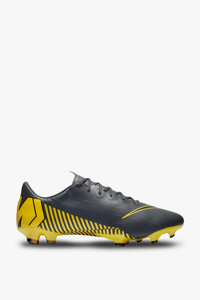 chaussures nike football homme