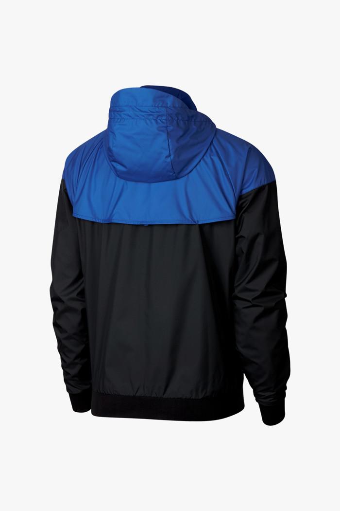 Acquista Windrunner giacca da corsa uomo Nike in nero