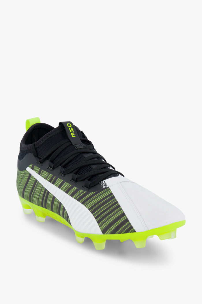 chaussure rugby puma one