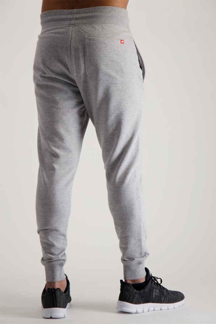 New Balance Essentials Stacked Logo pantaloni della tuta uomo 2