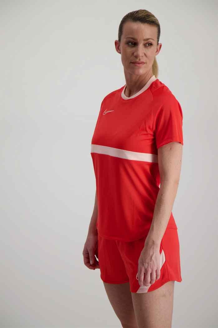 Nike Dri-FIT short femmes Couleur Coral 1