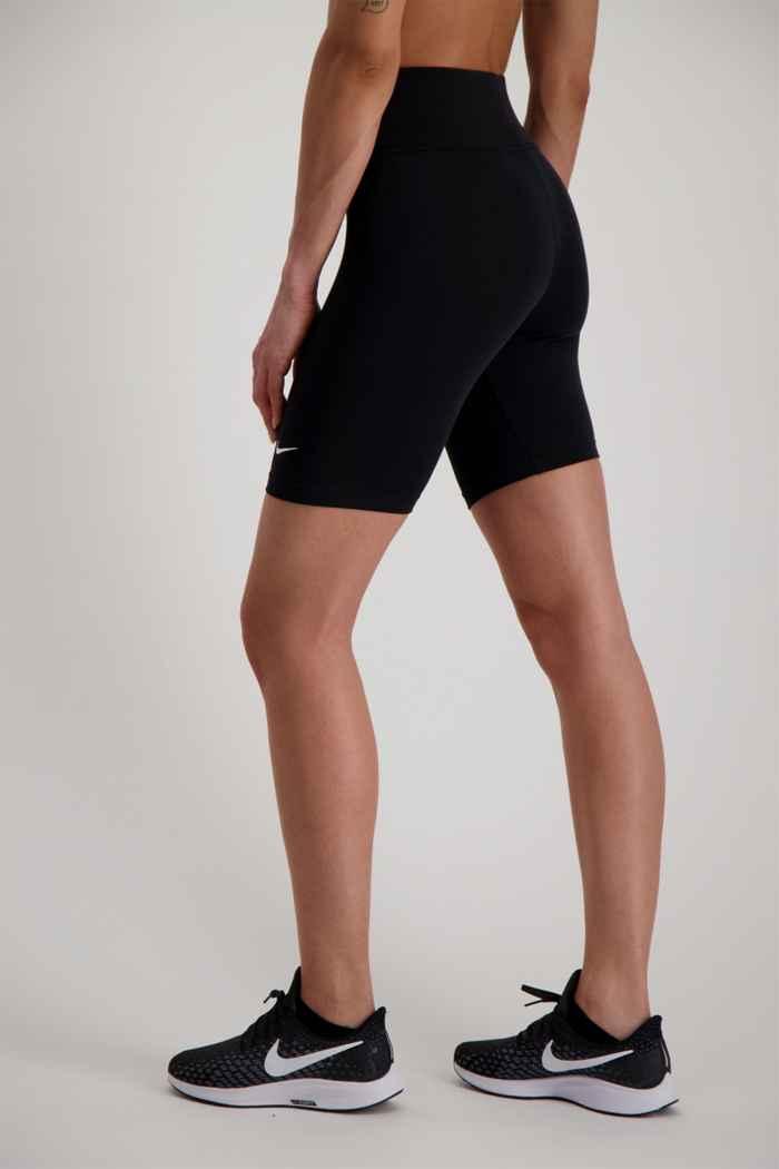 Nike Sportswear Leg-A-See short femmes 2